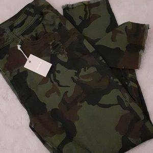 Camouflage pants (neatly destroyed) F21 size 30